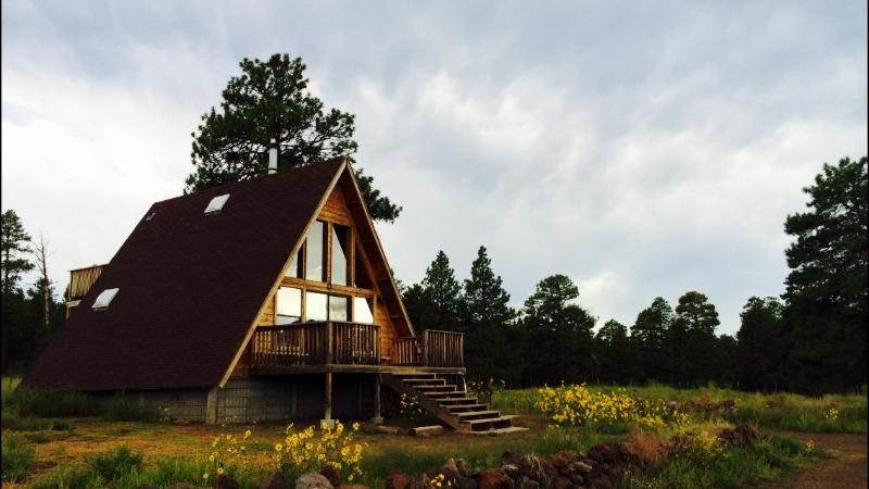 A-Frame Mountain View Cabin in a National Forest, vacation rental in Flagstaff