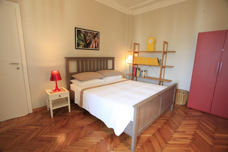 Beautiful, comfortable and quiet, great location, holiday rental in Milan