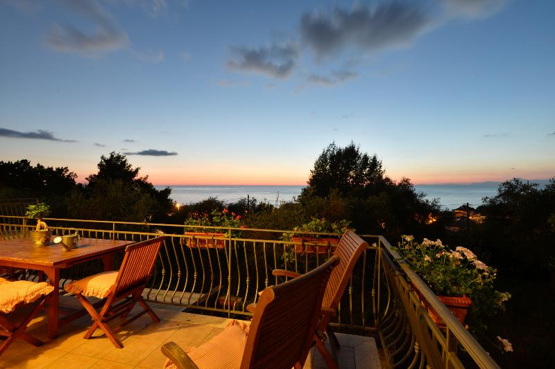 Villa Elaia, apartment Ortice, Castellabate, holiday rental in Santa Maria di Castellabate