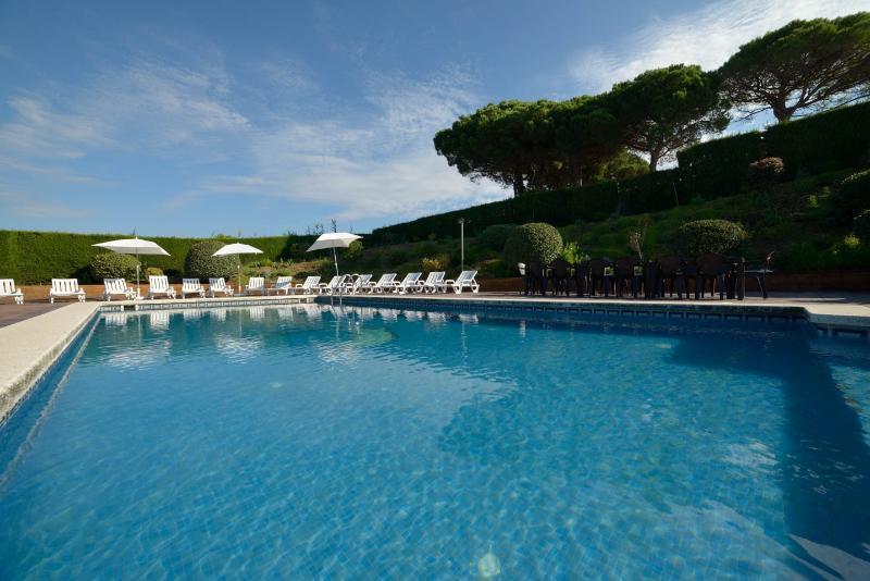 Nice villa, views and big pool, vacation rental in Sant Pol de Mar