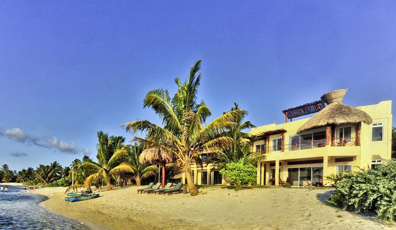 avant Beach House. Maison Cote Mer.