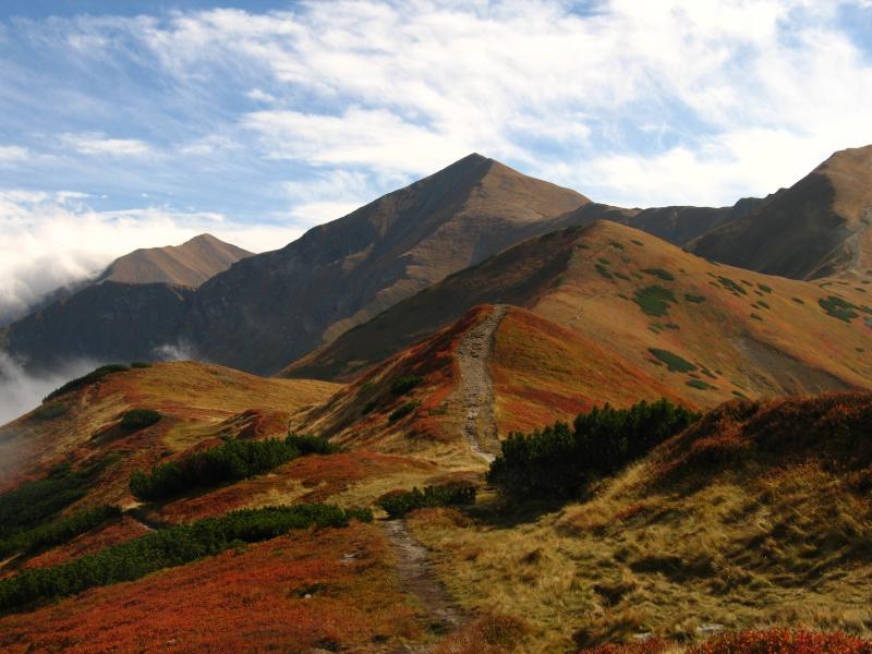Autumn hiking to the Red Peaks in the Tatras. Start your hike from the apartment!