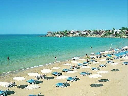 East Beach - beautiful sandy beach with gentle slope into the sea - 10 minutes by service bus