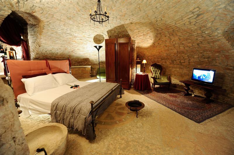 Historical Apartment - Palazzo Valenti Gonzaga, location de vacances à Cerese di Virgilio