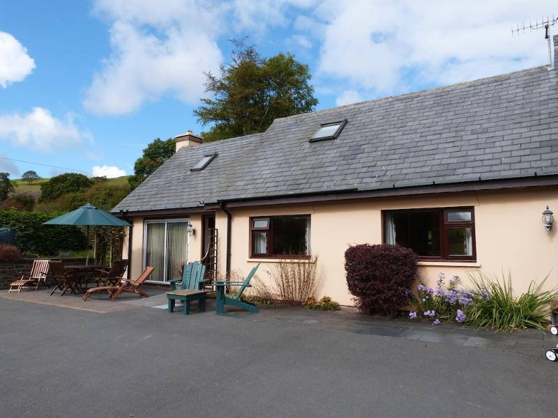 Relax in this 4 star cottage set in a rural location