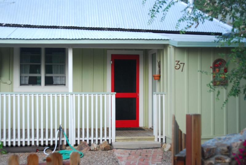 The Porch House--perfectly located!, vacation rental in Bisbee