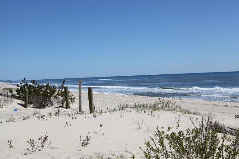 Ocean Front Cottage Montauk for rent, vacation rental in Montauk