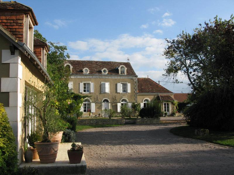 Le clos du May, holiday rental in Velles