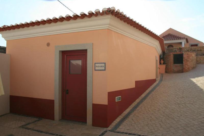 ARTVILLA - PADARIA (Studio), Ferienwohnung in Carvoeira