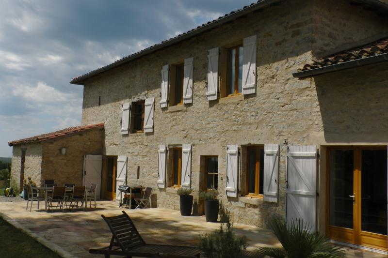 ROUSSERGUES SUD (Country Houses in France), holiday rental in Saint Projet