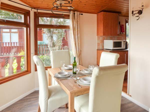 20 Borwick Heights, South lakeland leisure village UPDATED