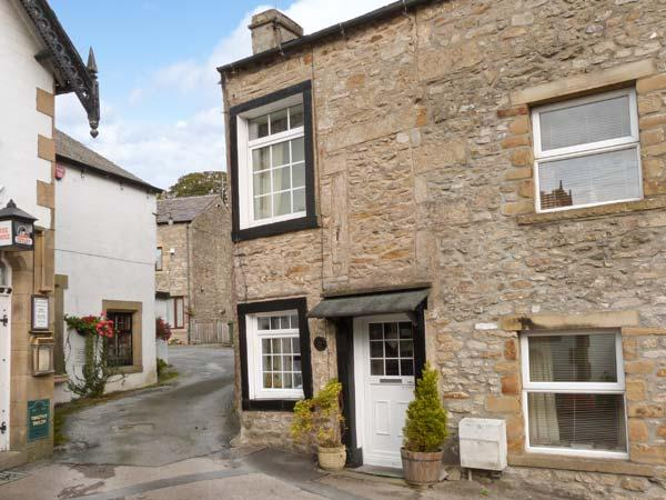 BLACK HORSE COTTAGE, WIFi, character cottage in Giggleswick, Ref. 916487, vacation rental in Settle
