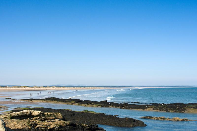 St Andrews West sands and the golf courses are only 10 minutes away