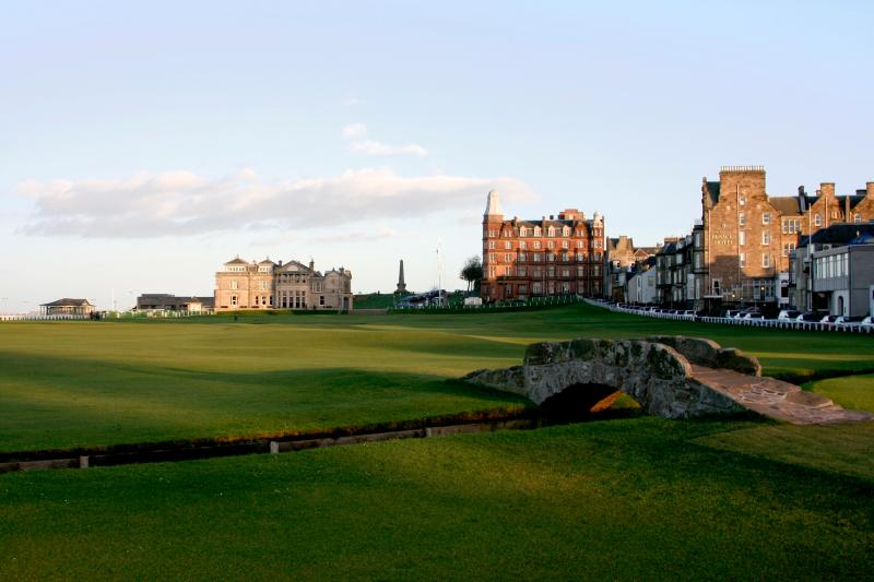 The golf courses at St Andrews are also only 10 minutes away