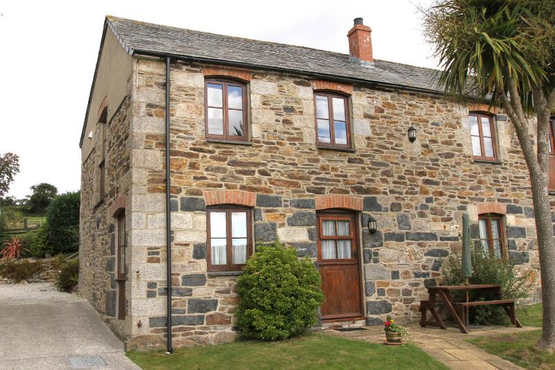 Clover Cottage, Tregolls Farm, holiday rental in Roche