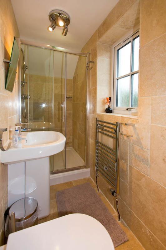 Lovely Ensuite with great shower