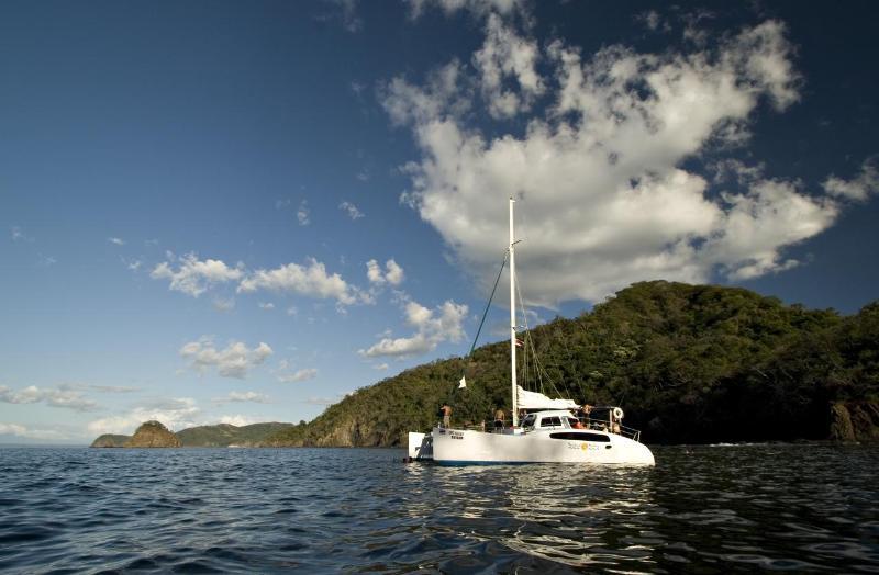 Catamaran cruise, leaving out of Tamarindo daily