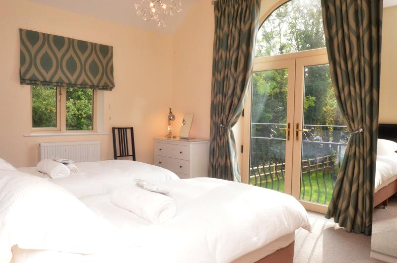 Amazing Cottage Groups of Friends - Stony House - CotswoldsValleysAccommodation, location de vacances à Stroud District