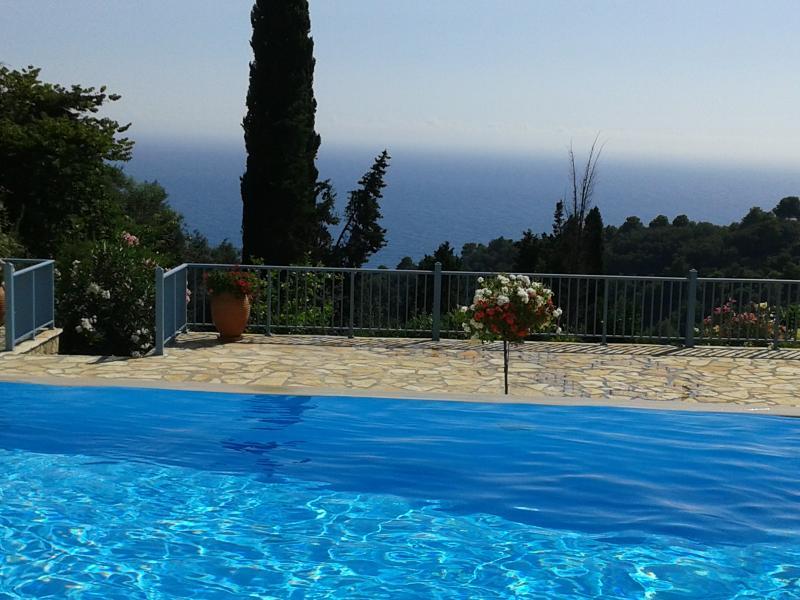 See View Villa With Infinity Pool, vakantiewoning in Pelekas