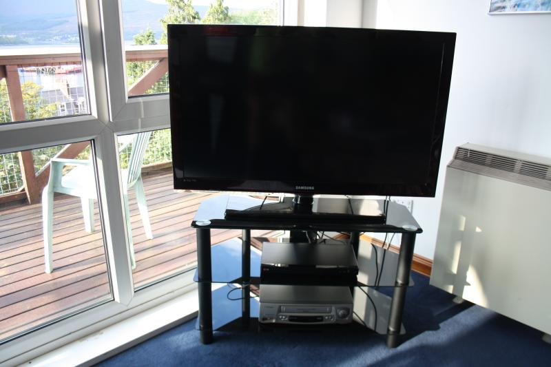 40' TV with Freeview for the odd bad weather day.
