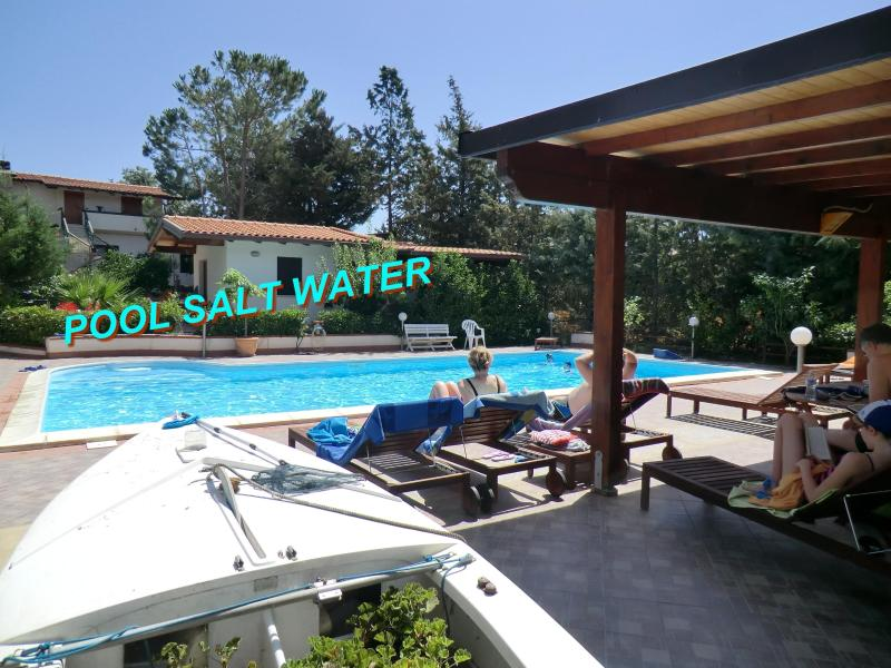 Emerald Home, Extra Large Pool Salt Water, Sea, air conditioning, Sandy Beaches, vacation rental in Balestrate