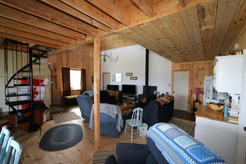 Rustic Rest by the Sea, holiday rental in Mahone Bay