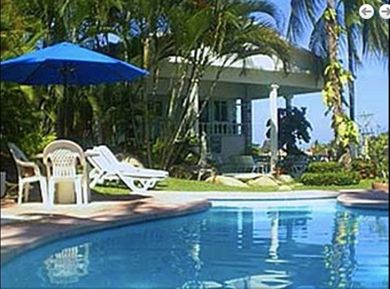 Villa Ladomar with Pool overlooking Acapulco Bay!, holiday rental in Acapulco