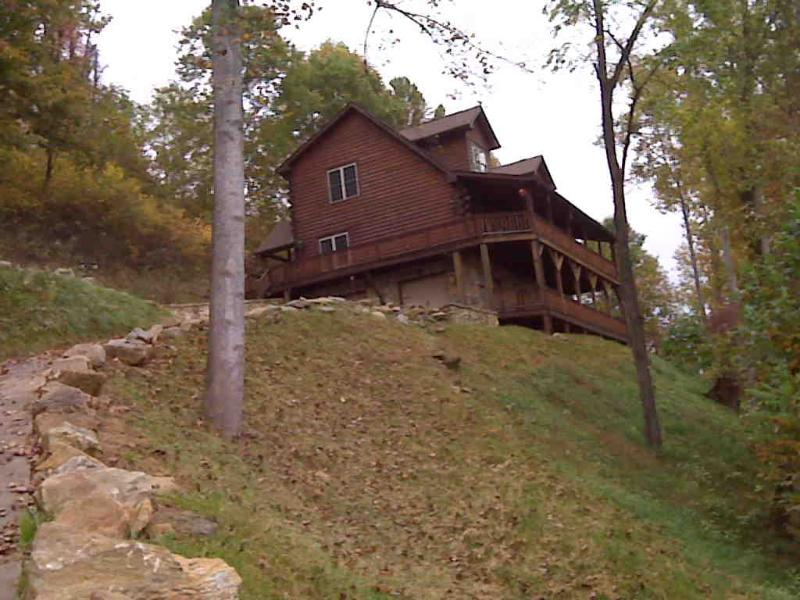 Bountiful Views, 3 br 4 ba, sleeps 8 Big porch, alquiler de vacaciones en Waynesville