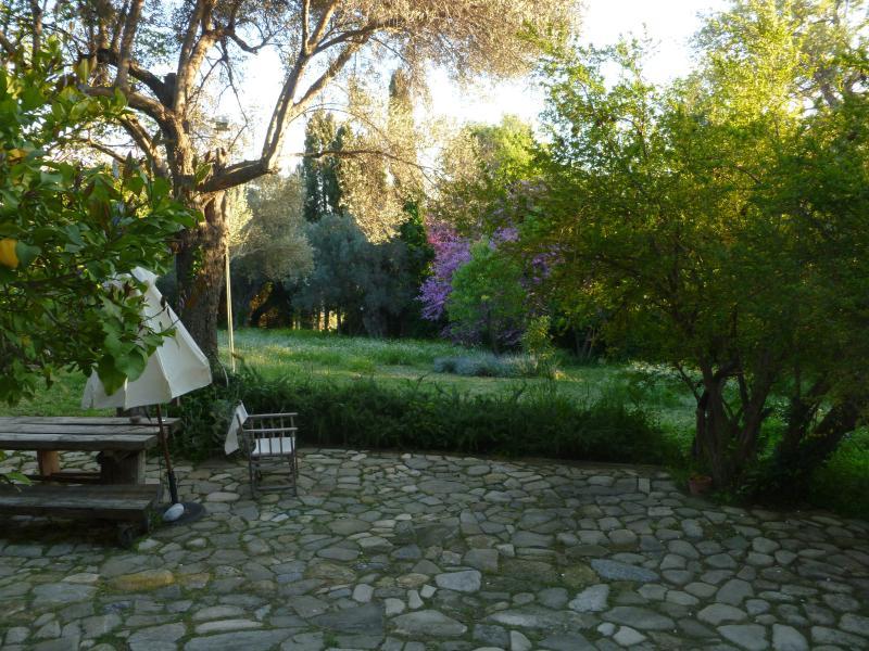 Casale di sogno sull Egeo, location de vacances à Avlonari