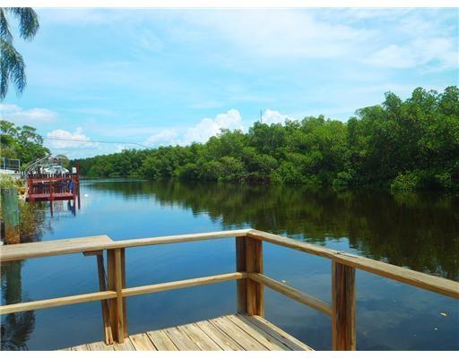 Backyard fishing dock