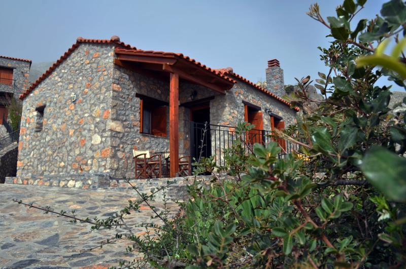 Vrachos Villa (2 bedroom ground villa) for 5, holiday rental in Kerames