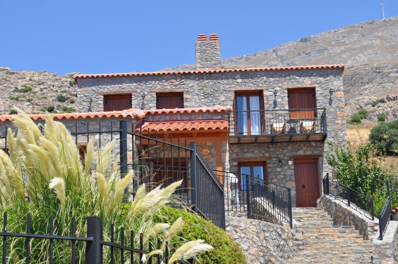 Vrachos Villa for 4 people, holiday rental in Kerames