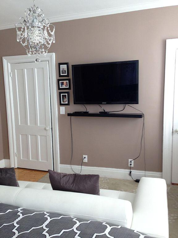 Mestre quarto com TV de LED