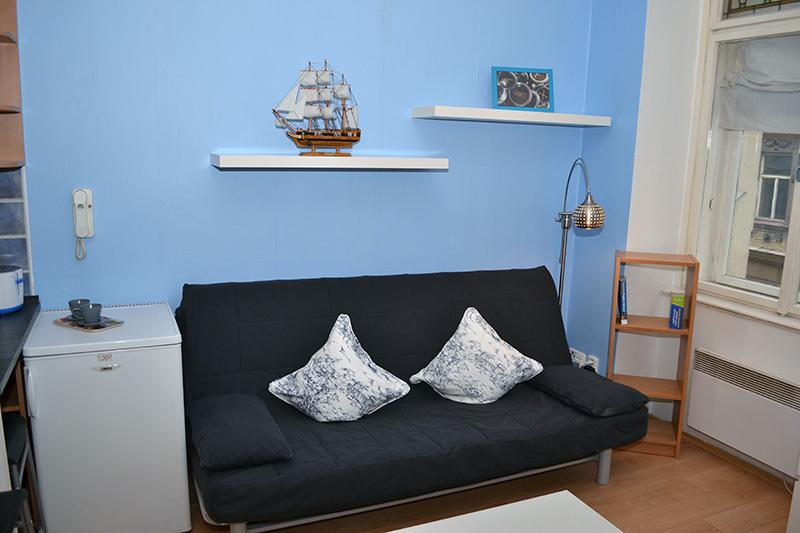 Convertible sofa for 2 people