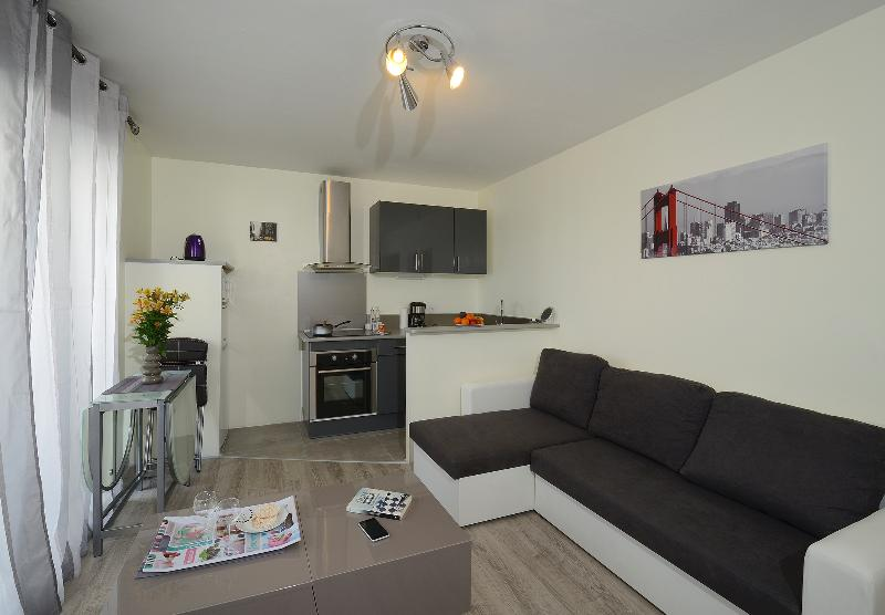 appart hotel grand confort angers centre ville updated. Black Bedroom Furniture Sets. Home Design Ideas