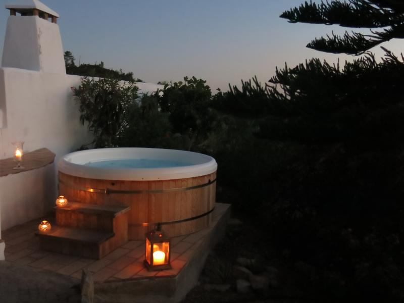 Evening hot tub: Unlimited year-round use, heated to 38C included in the price.
