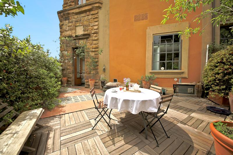 loft with a terrace in Florence, vacation rental in Florence