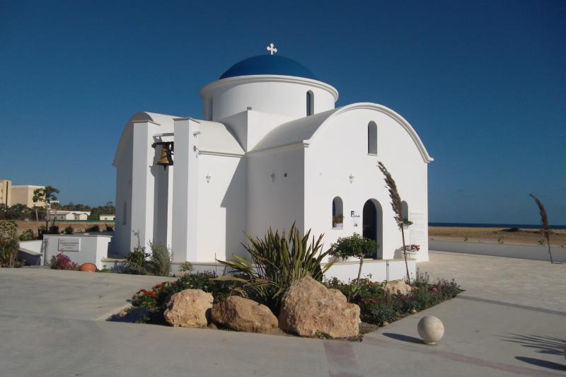 Just a walk along the sea front to have a look at this lovely little church