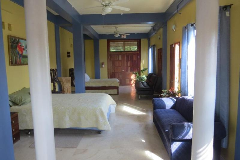 Avana Villa- Garden suite, holiday rental in Cayo
