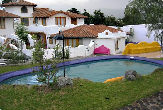 CASA ANAI. LOVELY AND FURNISHED HOUSE IN CONDO. TUMBACO VALLEY - QUITO., vacation rental in Quito