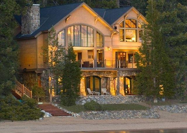 Lakefront Luxury Villa (ZC636) 636 Lake Shore Blvd – semesterbostad i Zephyr Cove