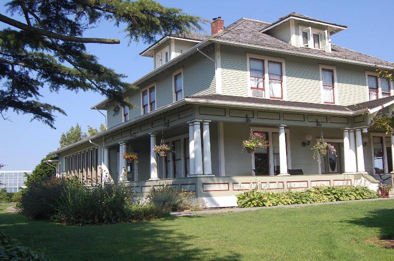 Perfect Urbanite Escape 45 Minutes Out of Seattle!, location de vacances à Lakewood  Snohomish County