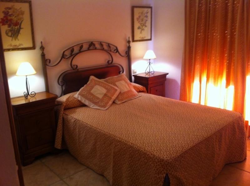 JZ2-2 Dormitorios Jardines de Zahara, holiday rental in Zahara de los Atunes