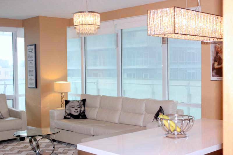 Luxury Film Fest  2 Bd 2bth 5 Star Suite!, holiday rental in Toronto