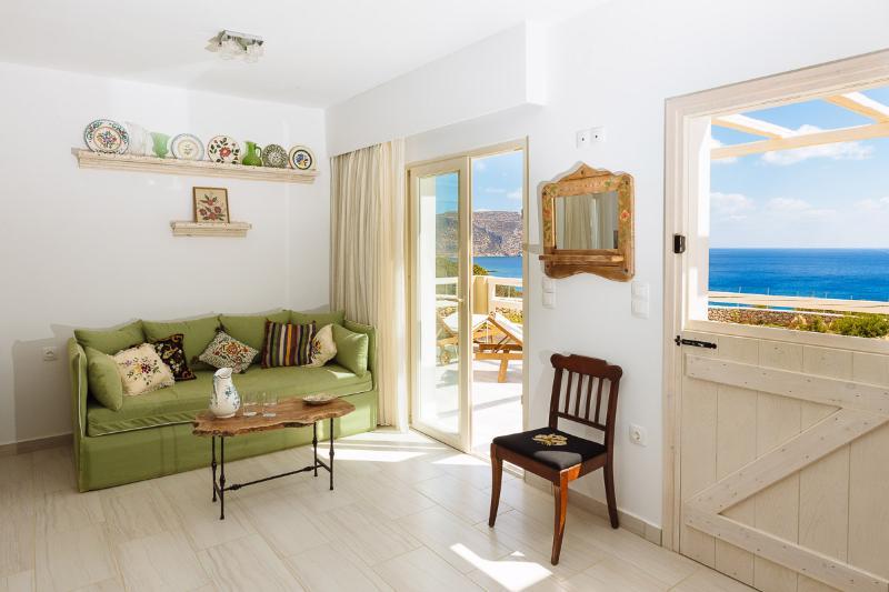Silene Villas, holiday rental in Kásos