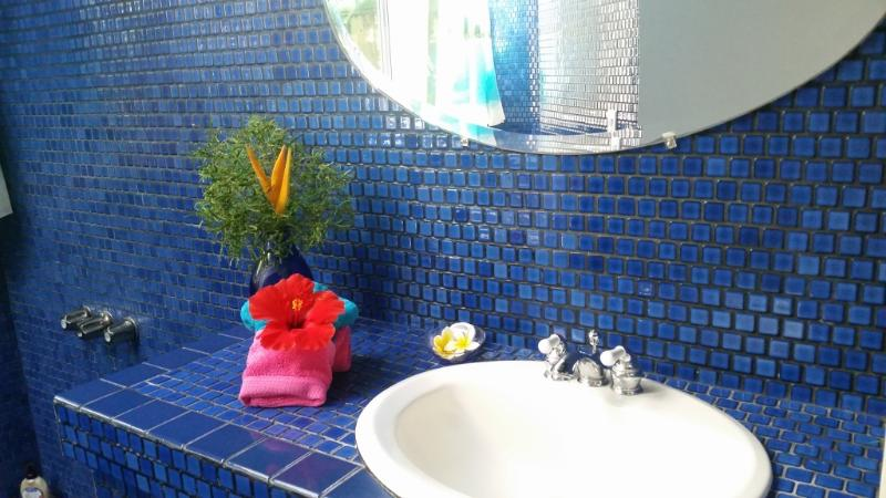 Cobalt blue and tropical scarlet!