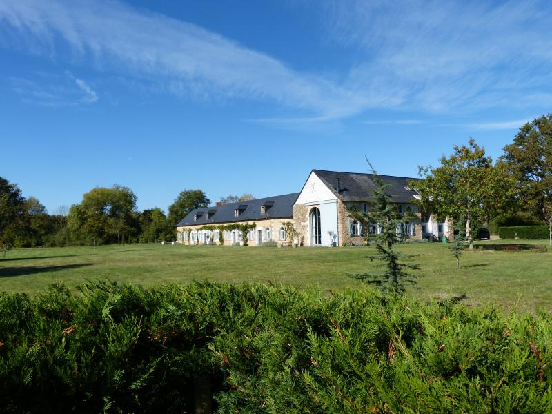 Shakespeare Lodge and suite, holiday rental in Grez Neuville