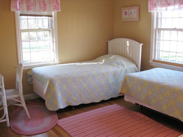 Entréplan Sovrum # 2 med 2 tvillingar - 200 Indian Hill Road Chatham Cape Cod New England Semesterbostäder