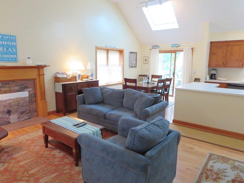 Salon ouvert - 122 Tracy Lane Brewster Cape Cod Nouvelle-Angleterre Locations de vacances