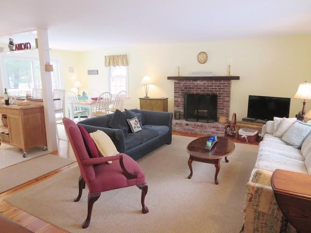 Living Area with Flat Screen TV - 54 Cranberry Way Chatham Cape Cod New England Vacation Rentals